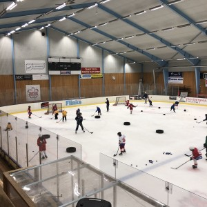 Full aktivitet på MB:s hockeyskola